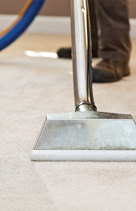 Carpet cleaner working around Leeds